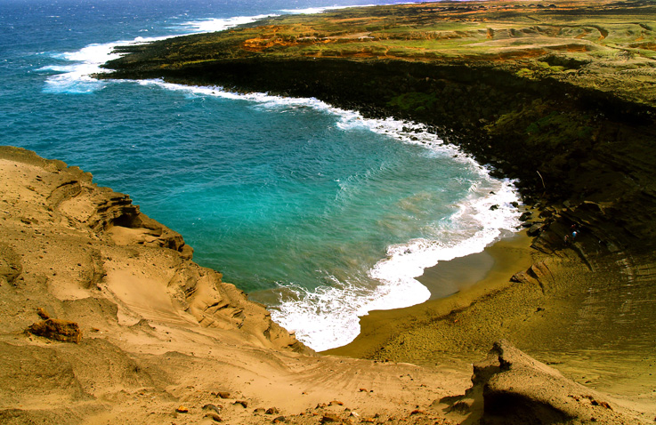 Mahana Green Sand Beach at Papakolea Bay, South Point, Ka'u Hawaii: Photo by Donald B. MacGowan