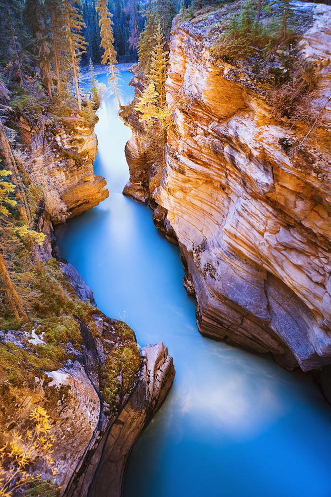 20 breathtaking views around the world bookmoda 4 athabasca falls thecheapjerseys Gallery