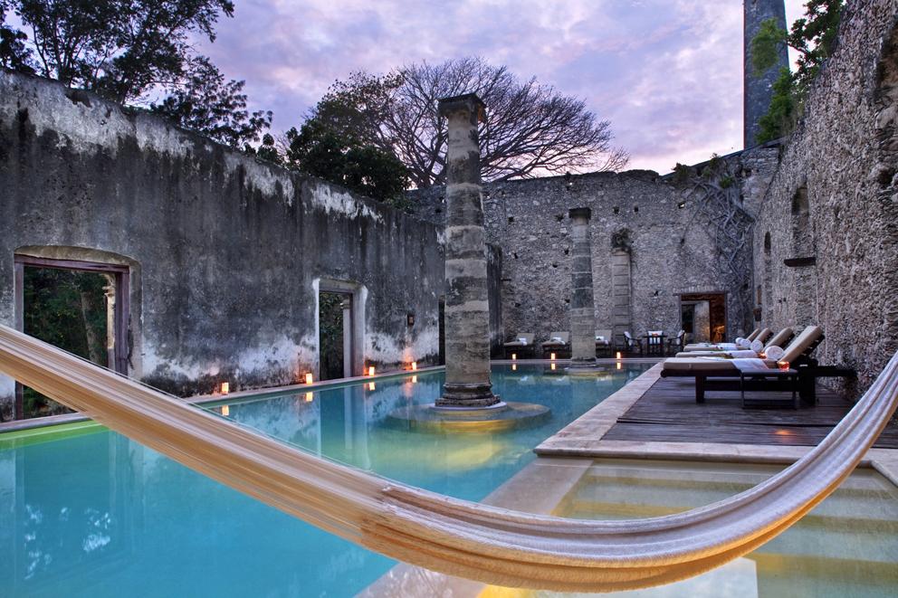 Hacienda-Uayamon-swimming-pool