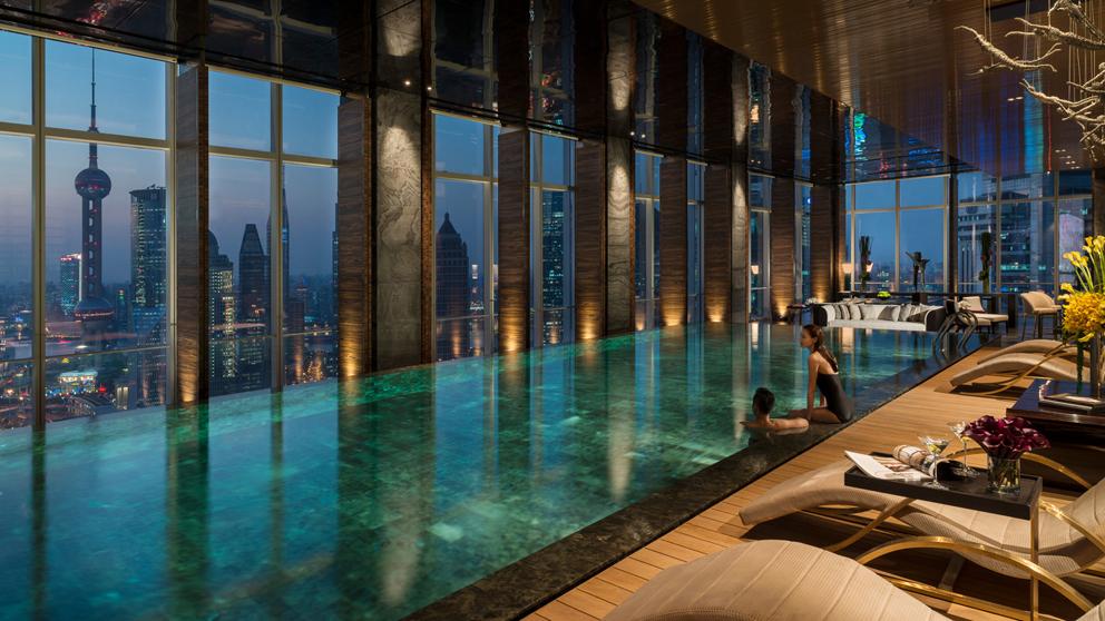 four-seasons-shanghai-pudong-pool