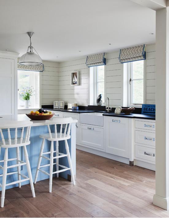 24 idee per arredare la casa al mare bookmoda for Arredare casa al mare idee