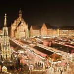 NORIMBERGA - Germania  - Anche quest'anno, come ogni Natale, tra le strade di Norimberga un'esplosione di magia. Tantissimi eventi attirano milioni di turisti ogni anno, come il Famoso Christkindlesmarkt di Norimberga: uno dei più bei mercatini di Natale del paese e uno dei più famosi del mondo. La fama del Mercatino natalizio di Norimberga è strettamente legata alla figura dell'Angelo di Natale della città che già dal '500, nelle zone protestanti, portava i doni ai bambini. Inevitabile fu quindi  organizzare un mercato in cui potessero essere acquistati bambole, giocattoli e dolcetti di Natale, per portare avanti la credenza e far sognare tutti i bambini.