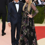 Ben Stiller e Christine Taylor in Valentino (Photo by Larry Busacca/Getty Images)