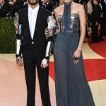 Gigi Hadid e Zayn Malik in Tommy Hilfiger. (Photo by Larry Busacca/Getty Images)