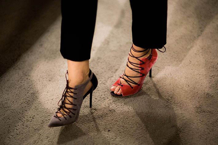 Cristiana Capotondi indossa i modelli Montana e Savannah