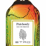 """Etro - Patchouly, l'eau de parfum il cui nome, nell'antica lingua tamil, significa """"foglia verde"""". Verde, di un verde soffice e boscoso, è la fragranza che si sprigiona dal patchouly dopo la lenta essicazione e la successiva distillazione, che con la forza del vapore ne porta allo scoperto l'anima cangiante"""