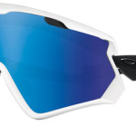 Oakley Wind Jacket 2.0 è dotato di tecnologia Prizm™, che permette alla lente di adattarsi alle diverse situazioni di luce, della tecnologia HDO®, con trattamento anti appannamento F3, del nuovo sistema Ridgelock che permette il cambio rapido delle lenti, di un incavo invisibile dentro cui è possibile inserire gli occhiali da vista ed infine da una montatura flessibile in O Matter™ in grado di adattarsi al proprio viso, con inserto in Foam Antisweat che protegge gli occhi dal sudore.