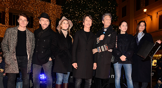 Antonio Folletto;Beppe Fiorello;Nicoletta Romanoff;Pierpaolo Piccioli;Rosario Fiorello;Matilde Gioli;Ilaria Spada