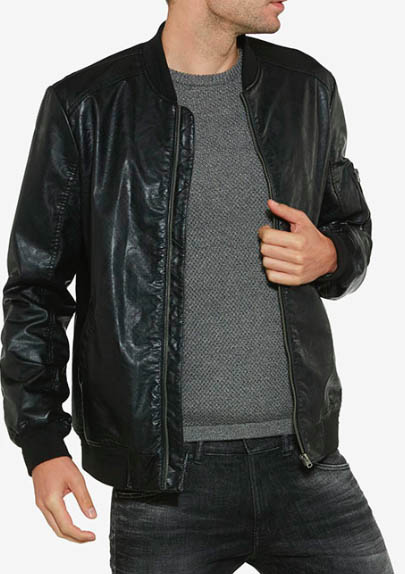 """Wrangler - """"Perforated Bomber"""" è la giacca perfetta per un biker professionista."""
