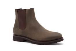 Per chi, anche nelle giornate di pioggia, non vuole rinunciare al comfort e alla qualità, a.testoni propone lo stivaletto beatles waterproof.