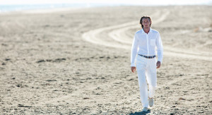 completo-total-white-uomo-camicia-in-lino-pantaloni-in-lino-spiaggia-estate-2017-120lino