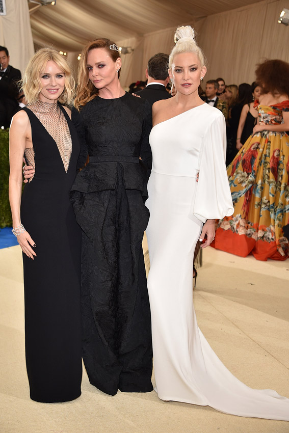 "NEW YORK, NY - MAY 01: Naomi Watts, Stella McCartney and Kate Hudson attend the ""Rei Kawakubo/Comme des Garcons: Art Of The In-Between"" Costume Institute Gala at Metropolitan Museum of Art on May 1, 2017 in New York City. (Photo by Kevin Mazur/WireImage)"