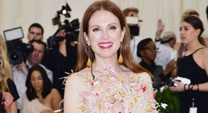 "NEW YORK, NY - MAY 01: Julianne Moore arrives at ""Rei Kawakubo/Comme des Garcons: Art Of The In-Between"" Costume Institute Gala at The Metropolitan Museum on May 1, 2017 in New York City.  (Photo by Sean Zanni/Patrick McMullan via Getty Images)"