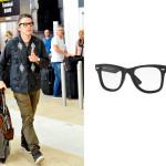 L'attore texano Ethan Hawke indossa il nuovo modello Wayfarer Ease Optics di Ray-Ban.