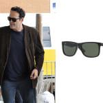Occhiale nero di Ray-Ban anche per l'attore statunitense Vince Vaughn che indossa il modello Justin Classic.  Model code: RB4165