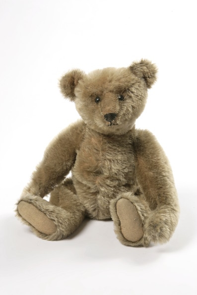 toy-steiff-teddy-bear-ca-1906-1910-c-victoria-and-albert-museum-london