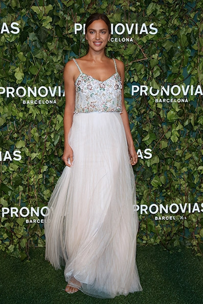 irina-shayk_photocall-pronovias-fashion-show
