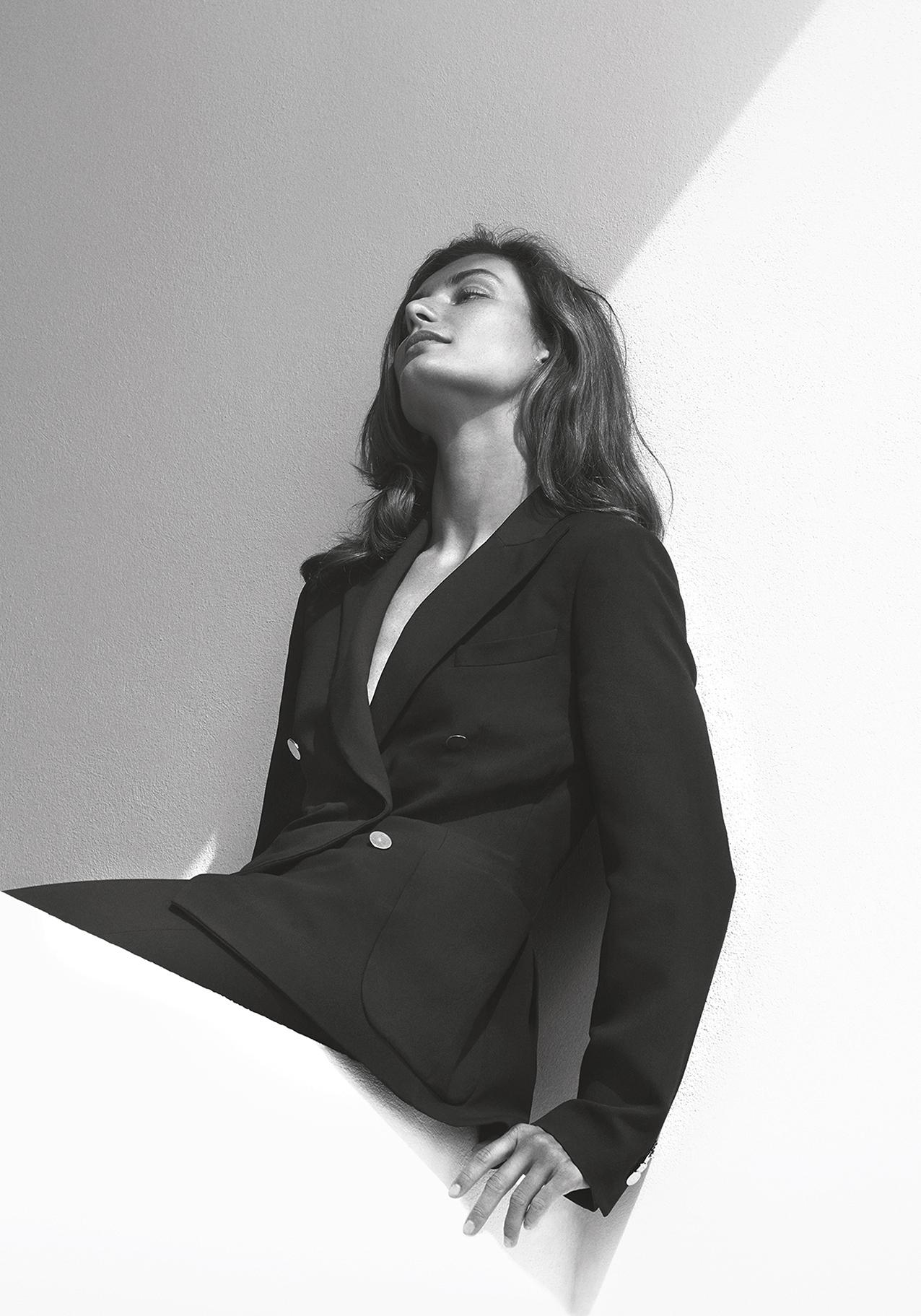 loro-piana_ss19-campaign_woman-8