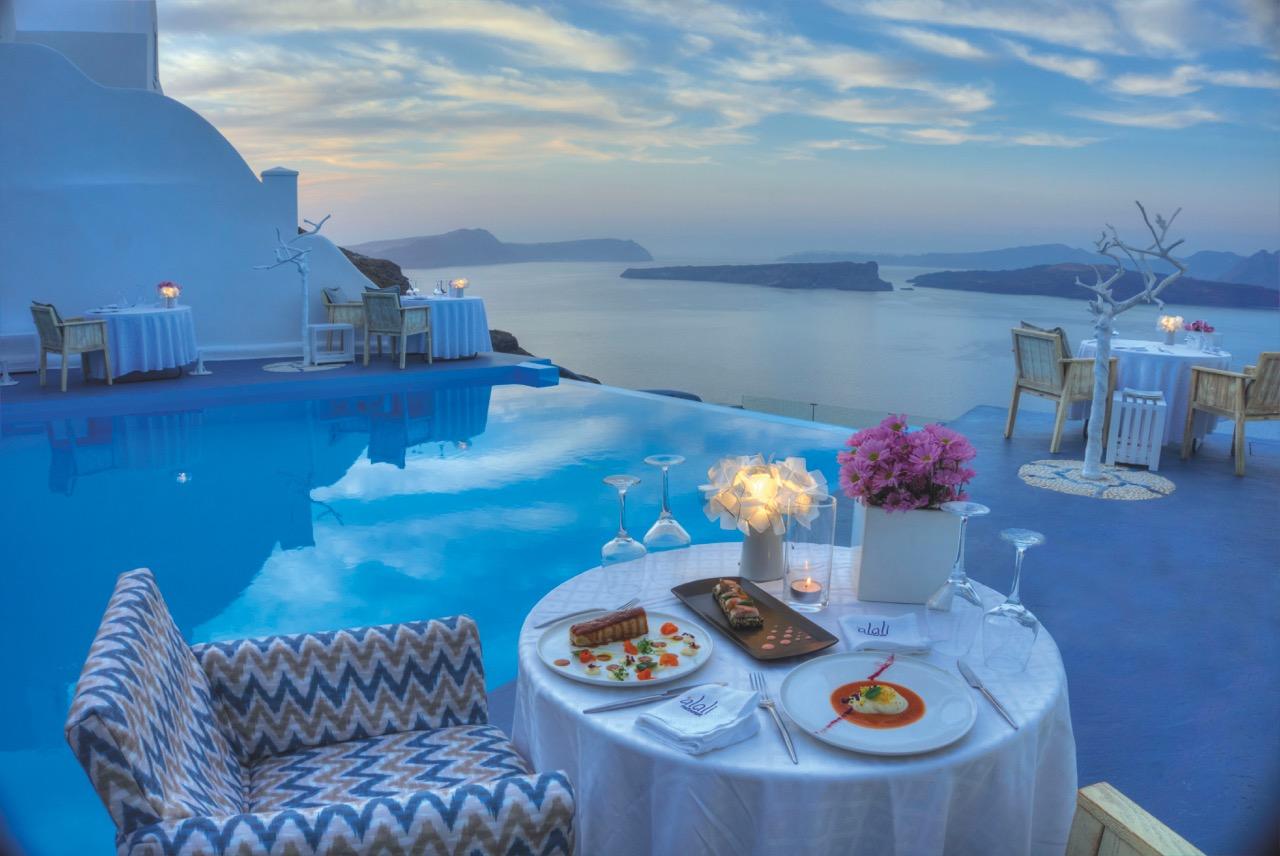 alali-restaurant-inside-astarte-suites-hotel-in-santorini