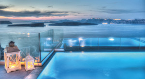 astarte-suite-private-infinity-pool-santorini-a5-candles-at-night
