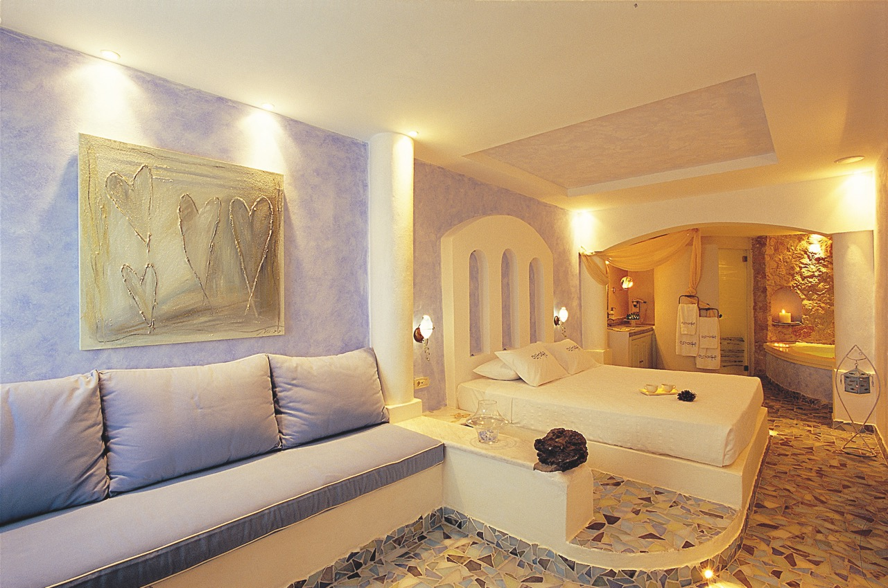 caldera-views-astarte-suites-hotel-santorini-greece